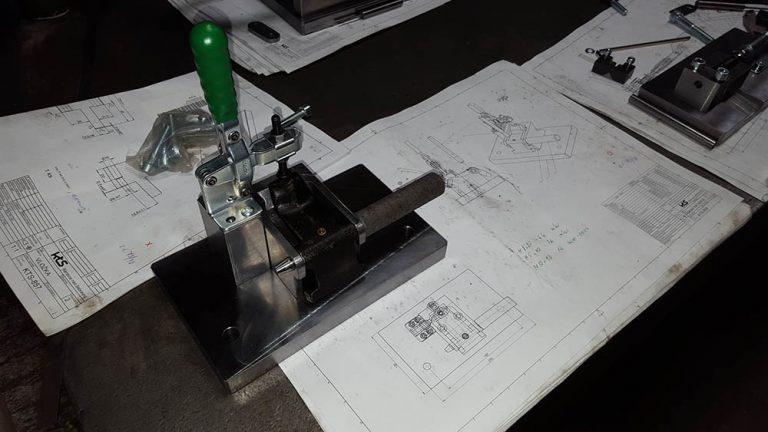 montážny prípravok buckner